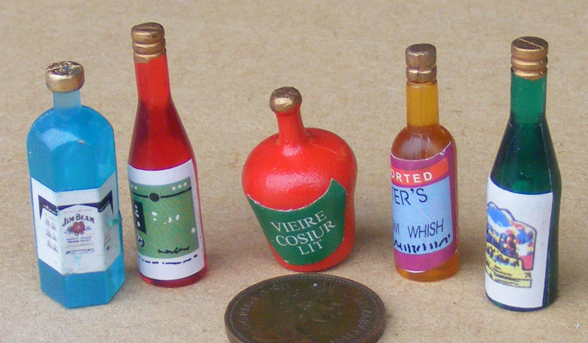 1:12 Scale 4 Painted Pub Bar Beer Pump Handles Tumdee Dolls House Accessory 639