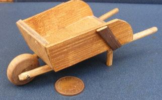 1:12 Scale Resin Barrel Tumdee Dolls House Miniature Garden Rain Water Accessory